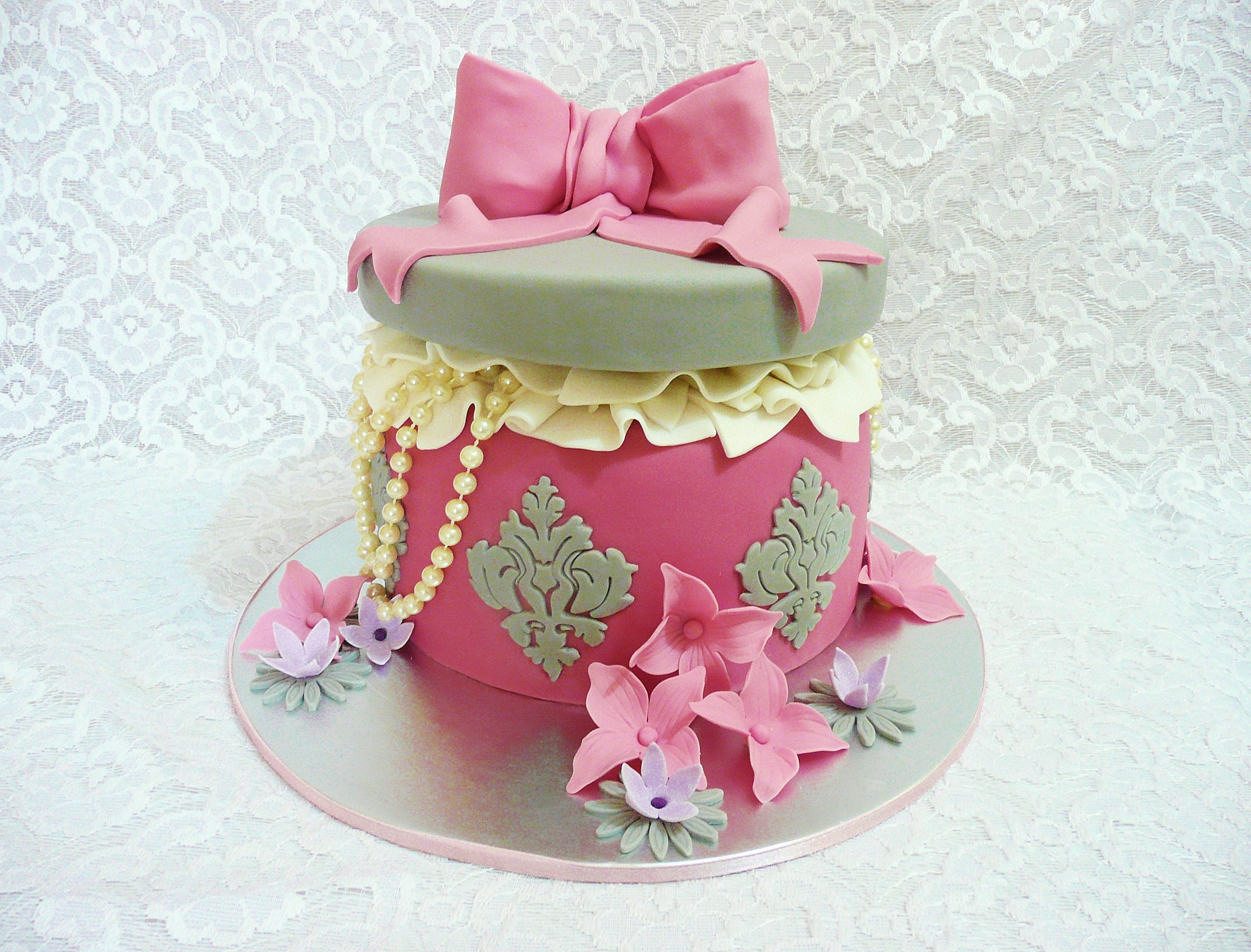 Fia sweet ideas cupcakes cakes party accessories - Jewel cake decorations ...